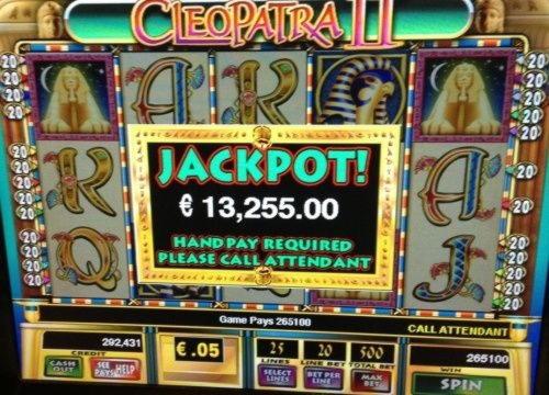 Cazinou cu 465 cu cip gratuit la Lucky Red Casino