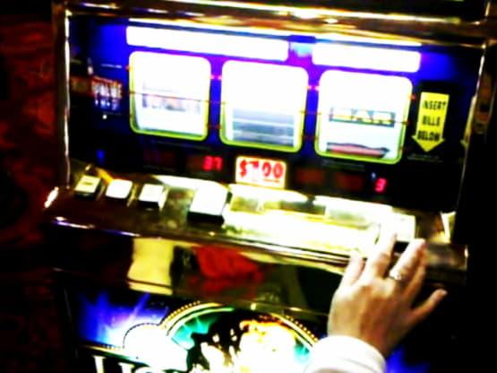 $ 220 การแข่งขันคาสิโนออนไลน์ที่ Lucky Red Casino