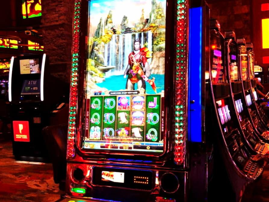 215% โบนัสคาสิโนสมัครที่ดีที่สุดที่ Lucky Red Casino